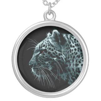 Collar Collar esterlina del leopardo de la placa