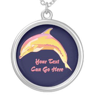 Collar colorido del delfín de la Botella-Nariz