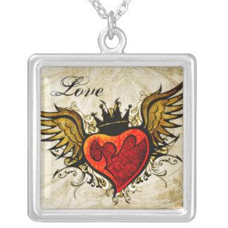 Collar con alas tatuaje del amor del corazón del v