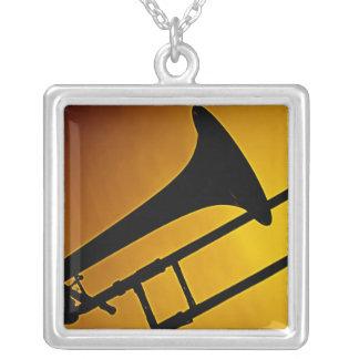 Collar cuadrado del Trombone