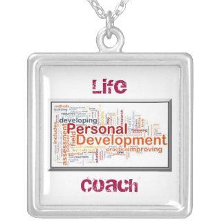 Collar cuadrado enmarcado desarrollo personal
