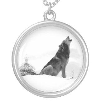 Collar de Alaska del lobo de madera