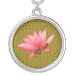 Collar de Benah Lotus Sutra