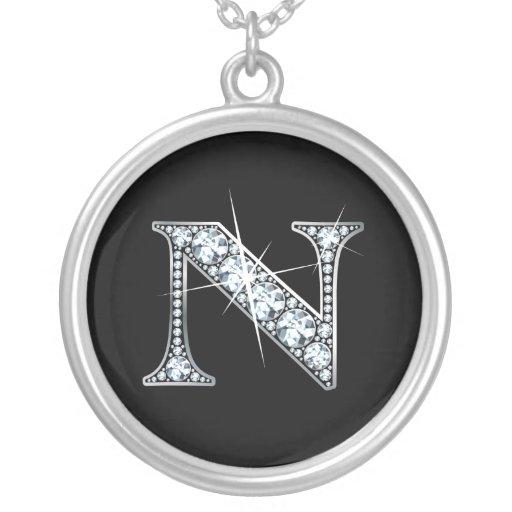 """Collar de Bling del diamante de """"N"""""""