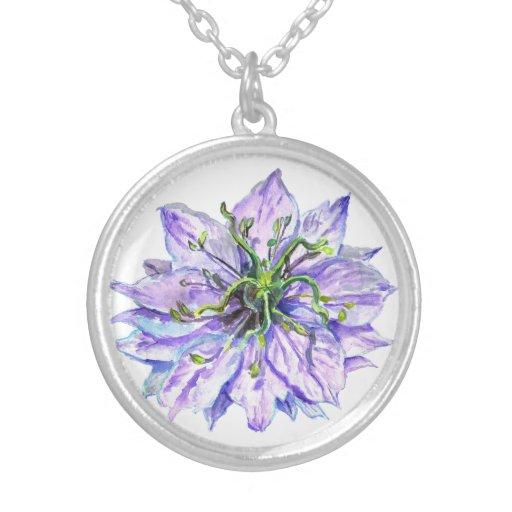 Collar de color de malva ligero de la flor