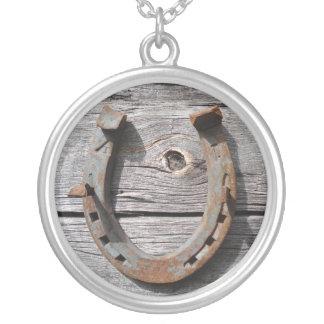 Collar de herradura rural de la plata esterlina de