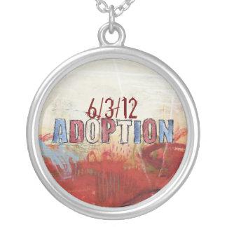 collar de la adopción