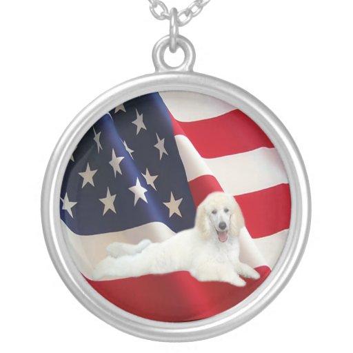 Collar de la bandera americana del caniche