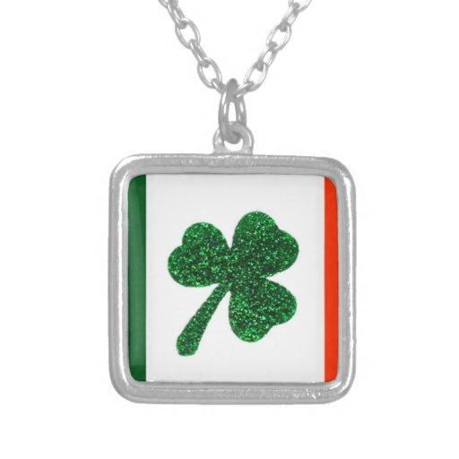 Collar de la bandera del trébol de Irlanda