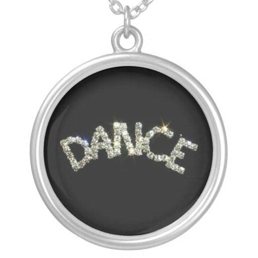 Collar de la chispa de la danza