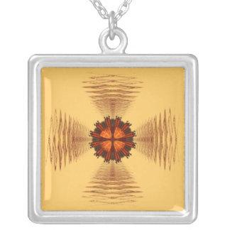 Collar de la cruz maltesa del fractal