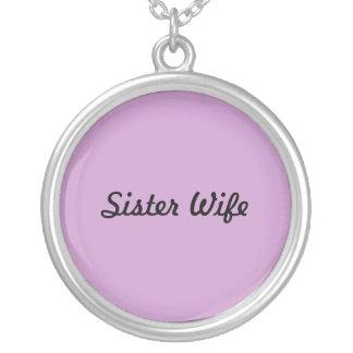 Collar de la esposa de la hermana