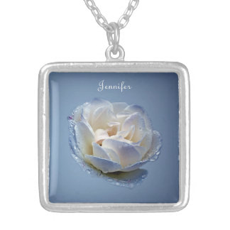 Collar de la flor azul y blanca
