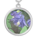 Collar de la flor de Columbine azul