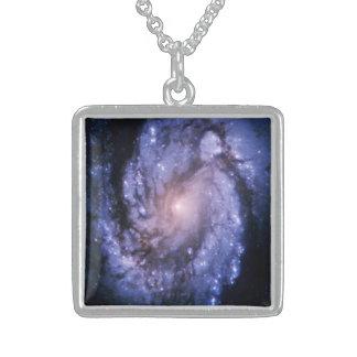 Collar de la galaxia espiral M100