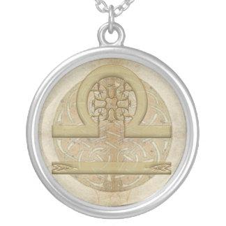 Collar de la muestra del zodiaco del libra