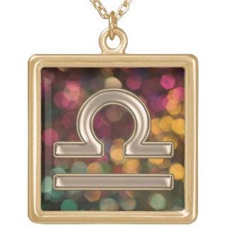 Collar de la muestra del zodiaco del libra del oro