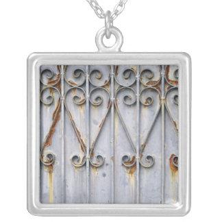 Collar de la plata del metal del modelo del verdet