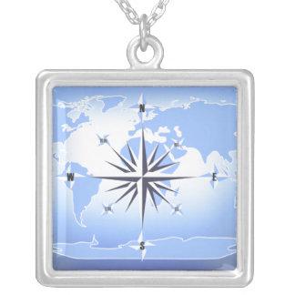 Collar de la plata esterlina del mapa del mundo