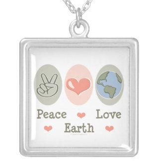 Collar de la tierra del amor de la paz