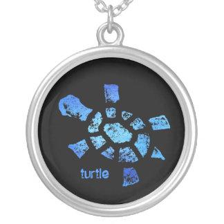 Collar de la tortuga del agua azul