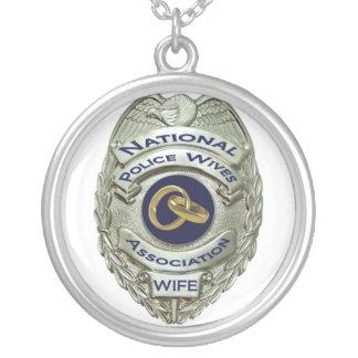 Collar de las esposas de la policía