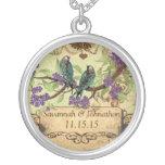 Collar de las floraciones de la púrpura de los
