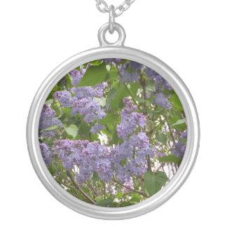 Collar de las lilas