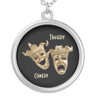 Collar de las máscaras del oro de la comedia y de