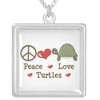 Collar de las tortugas del amor de la paz
