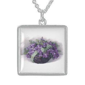Collar de las violetas del vintage