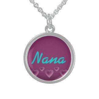 Collar de los corazones púrpuras de Nana