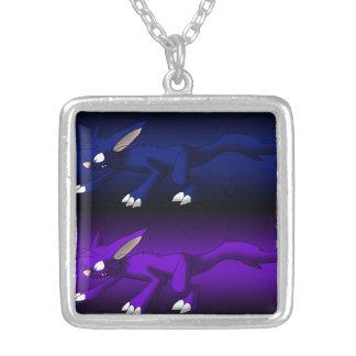 Collar de los dragones del gato púrpura y azul