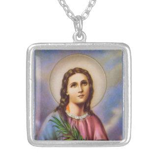 Collar de Lucy Ladie del santo