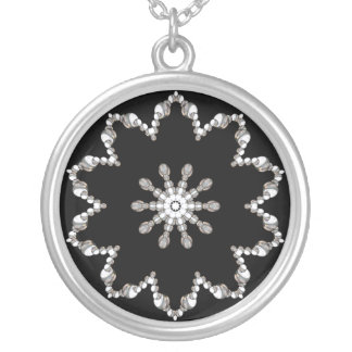 Collar de lujo de los diamantes
