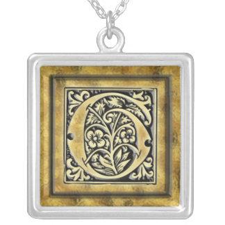 Collar de plata de G de la inicial del estilo del