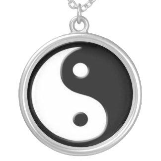 Collar de plata del colgante del símbolo de Yin Ya