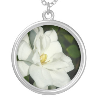 Collar de plata del Gardenia