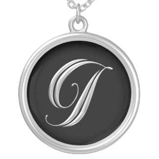 Collar de plata del monograma de la letra I