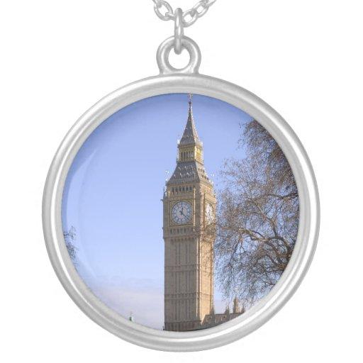 Collar de plata redondo de Big Ben Londres