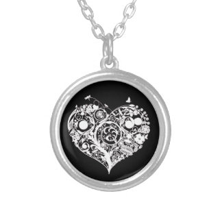 Collar decorativo negro y blanco del corazón