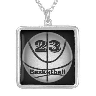 Collar del baloncesto con los collares del número