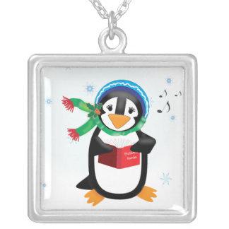 Collar del chica del pingüino de Caroling