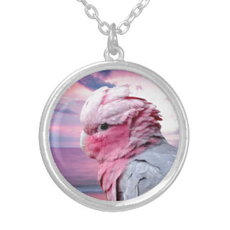 Collar del colgante del Cockatoo de Galah
