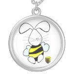 Collar del conejito de la miel