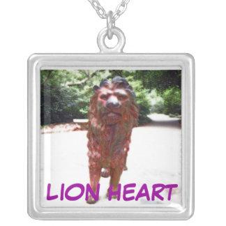 Collar del corazón del león