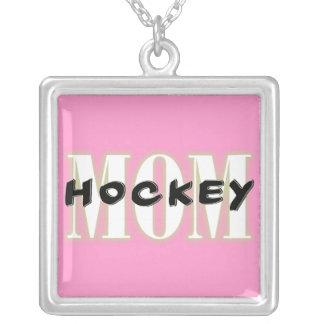Collar del cuadrado de la mamá del hockey