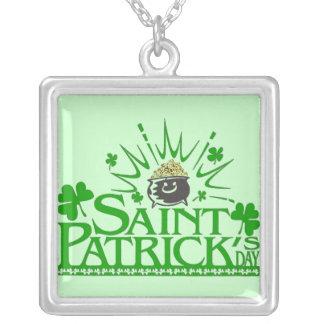 Collar del día de Patricks del santo