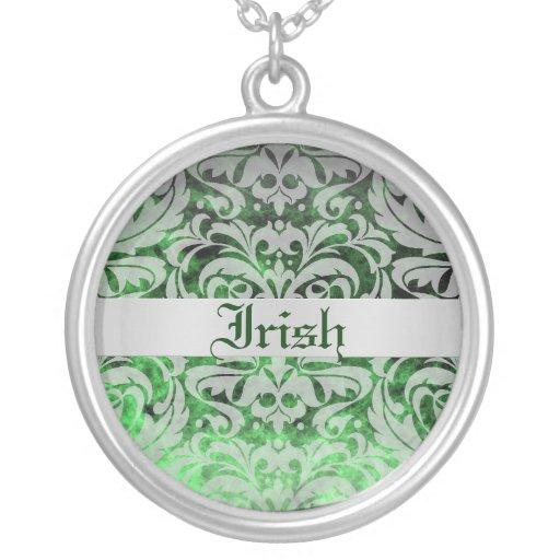 Collar del día del damasco de St Patrick esmeralda