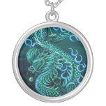 Collar del este del dragón del mar